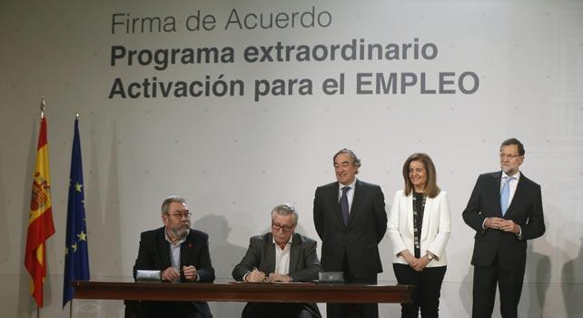 Signatura de l'acord del programa extraordinari per l'activació de l'ocupació