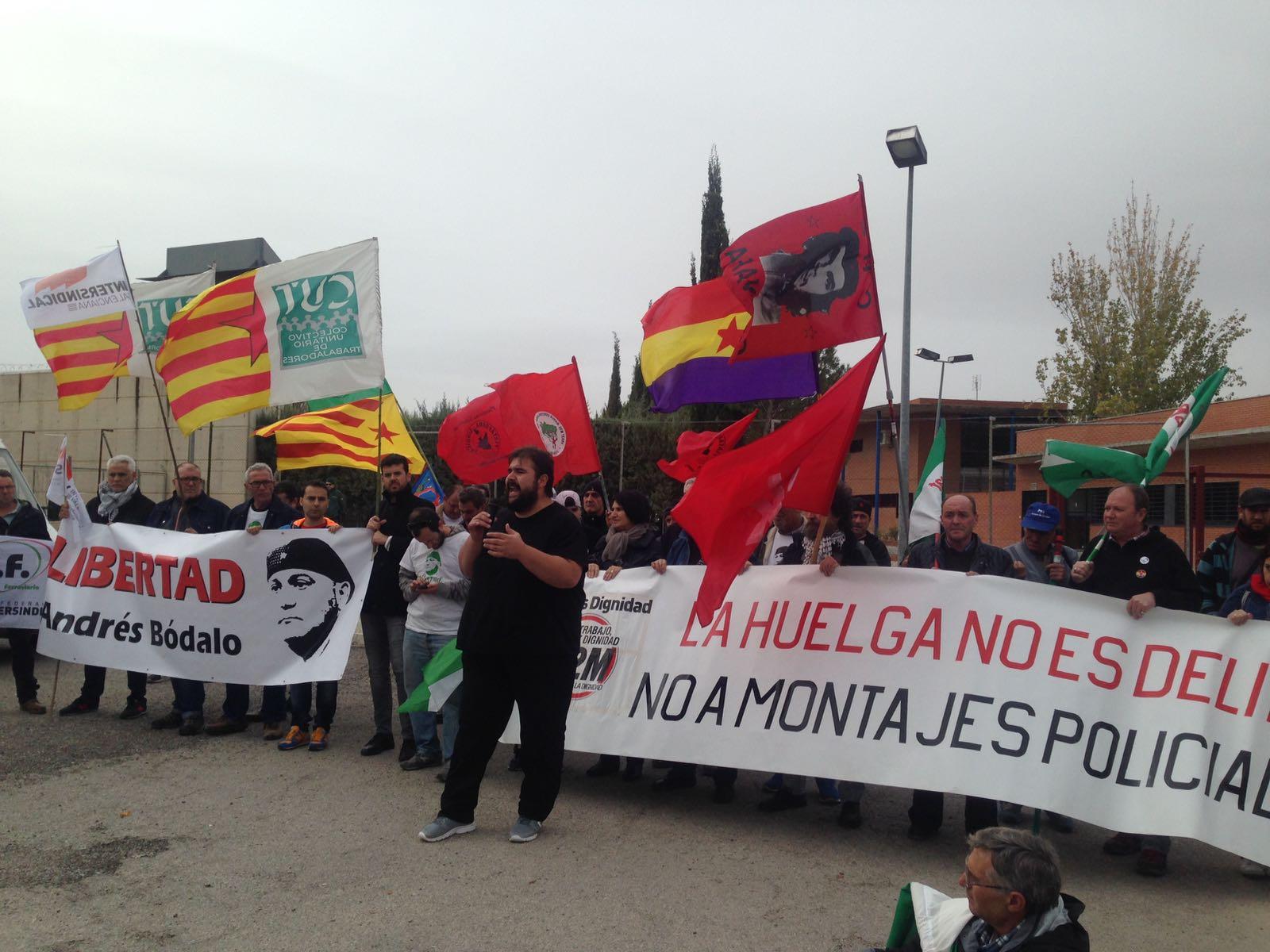 Sindicats de tot l'Estat es concentren en solidaritat amb Andrés Bódalo