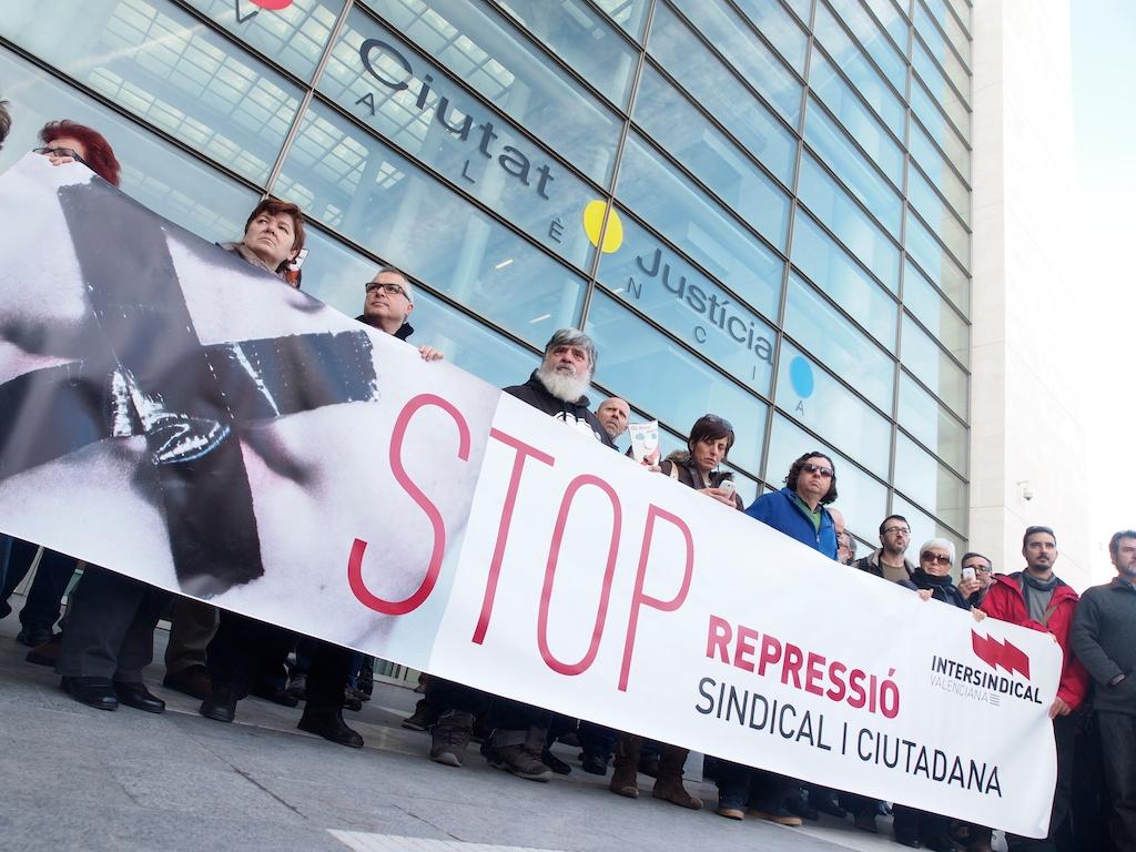 Acte contra la repressió en València.